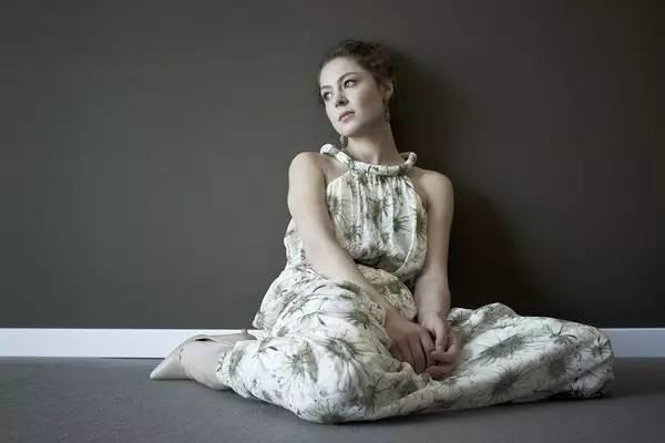 不是女主角的俄国视点叶莲娜·利亚多娃看透第一眼美女,猛一饰演美女女星街头凸图片