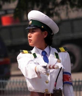 金日成禁止朝鲜女人穿裤子(组图)